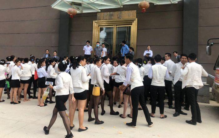 西港一娱乐场百名员工短暂罢工