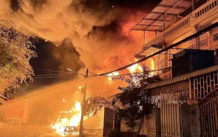 金边大火致2人死亡